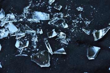 glass-1818065_1280
